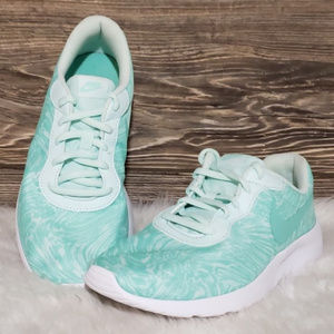 New Nike Tanjun Print Mint Green White Sneakers